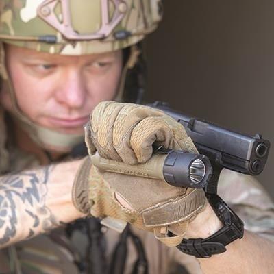 Bateryjna latarka taktyczna Streamlight PolyTac, kol. coyot, blistrr, 600 lm
